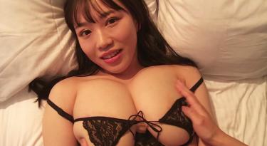 軟体&Iカップ巨乳新人グラドル【愛萌なの】乳首ポチ!?エロい動画
