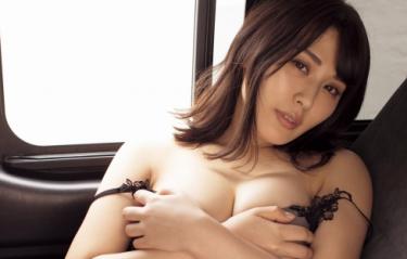 超セクシーグラドル【金子智美】エロ全開の着エロ動画